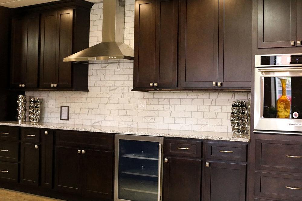 S, Kitchen Cabinet Liquidation Center