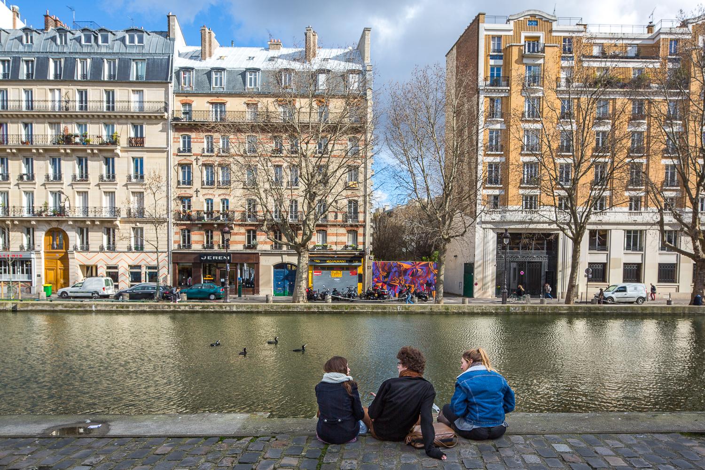 Scène de vie sur les berges du canal Saint-Martin. Paris 10ème. © Sébastien Borda
