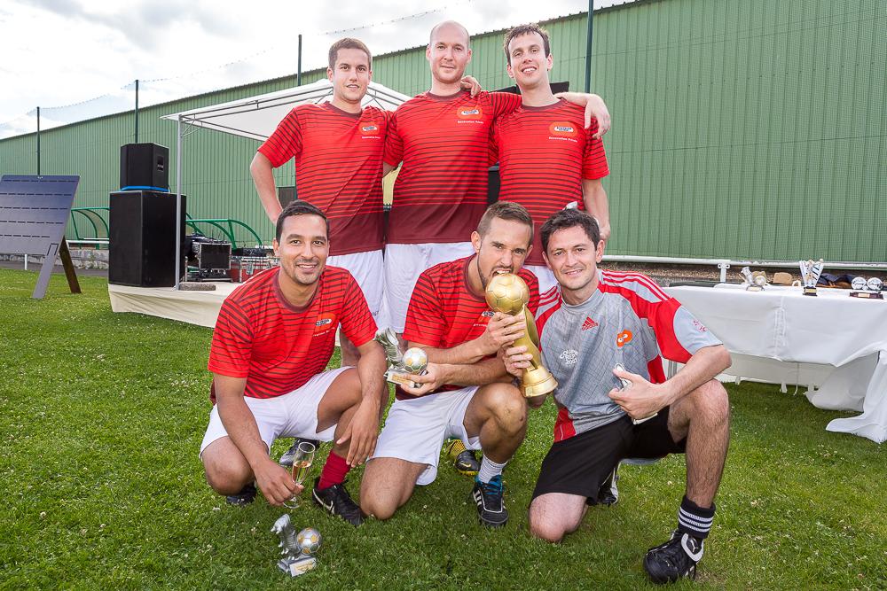 Photo de groupe des vainqueurs du tournoi de football . Brésil en privé.  2014.© Sébastien Borda