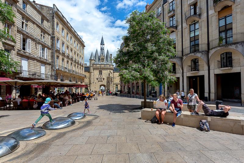 Place du palais dans le centre ville de Bordeaux. © Sébastien Borda