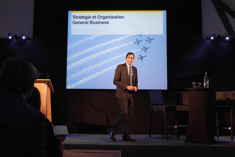 Discours d'un directeur pendant un séminaire d'entreprise. © Sébastien Borda   www.sebastienborda.com