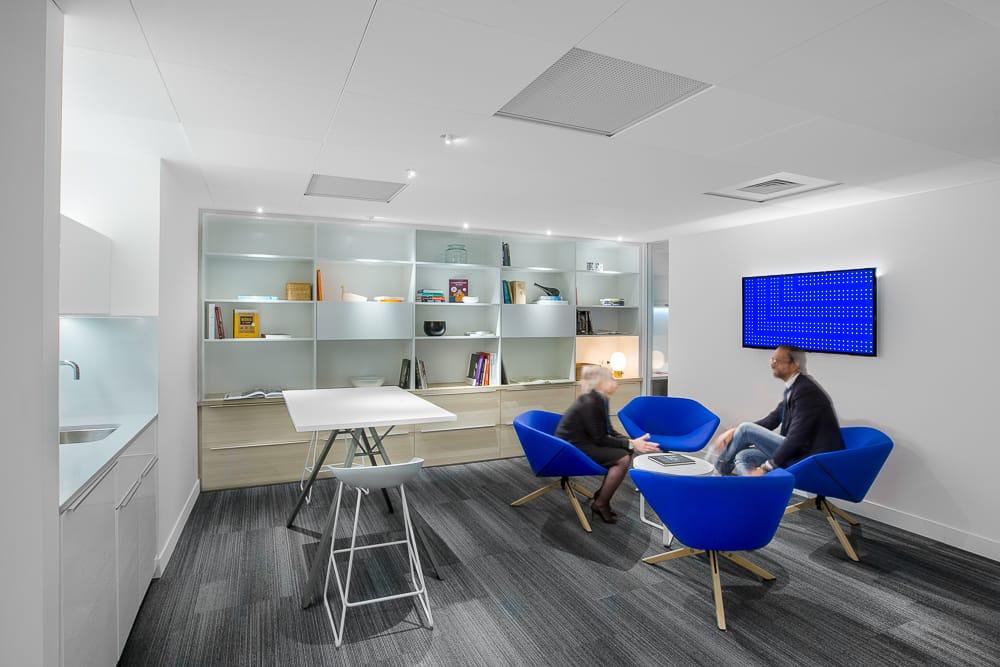 Exemple de photographie d'architecture intérieure de bureaux en entreprise. © Sébastien Borda I www.sebastienborda.com