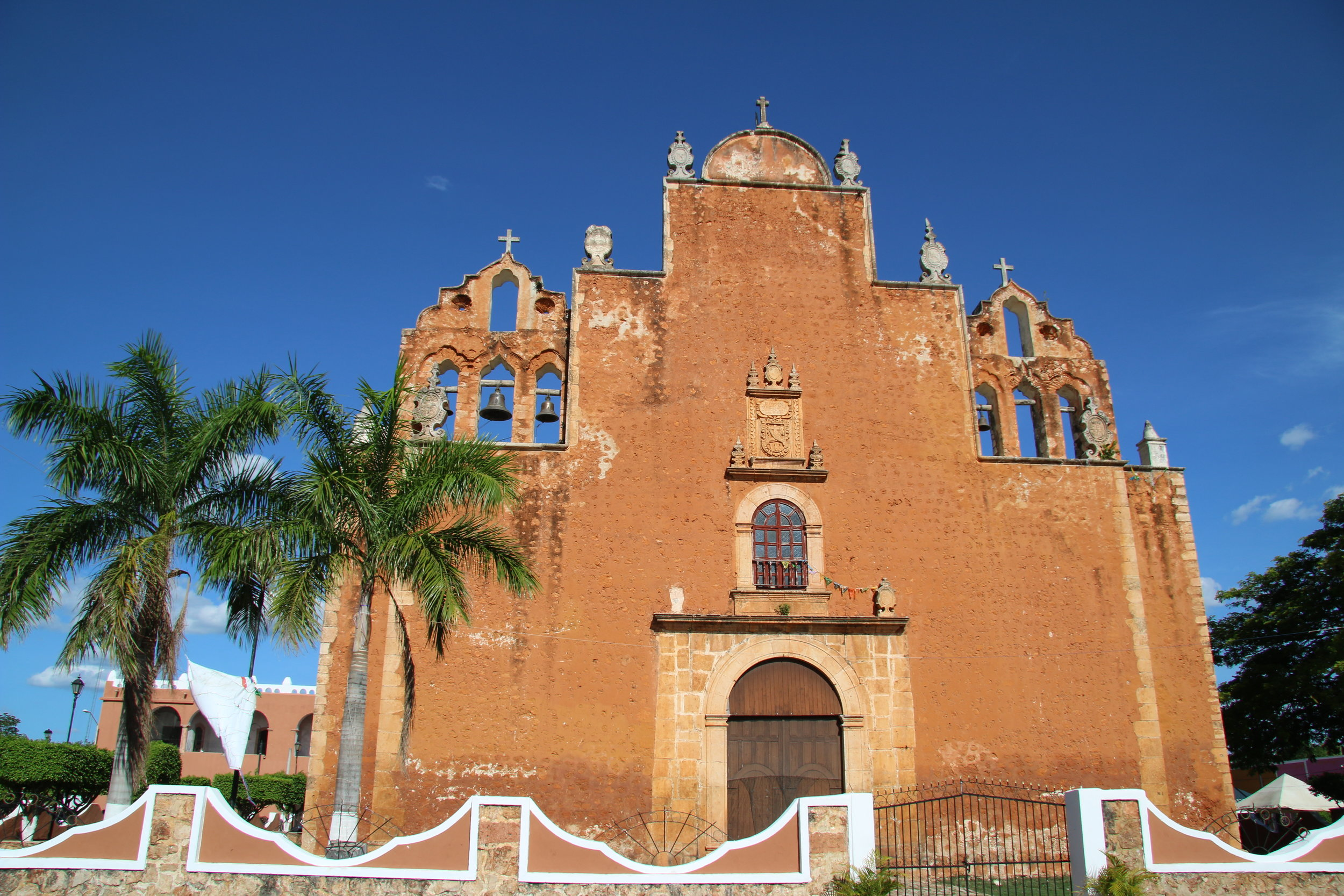 Can't stop taking photos of this church against the deep blue Yucatan sky 2/3