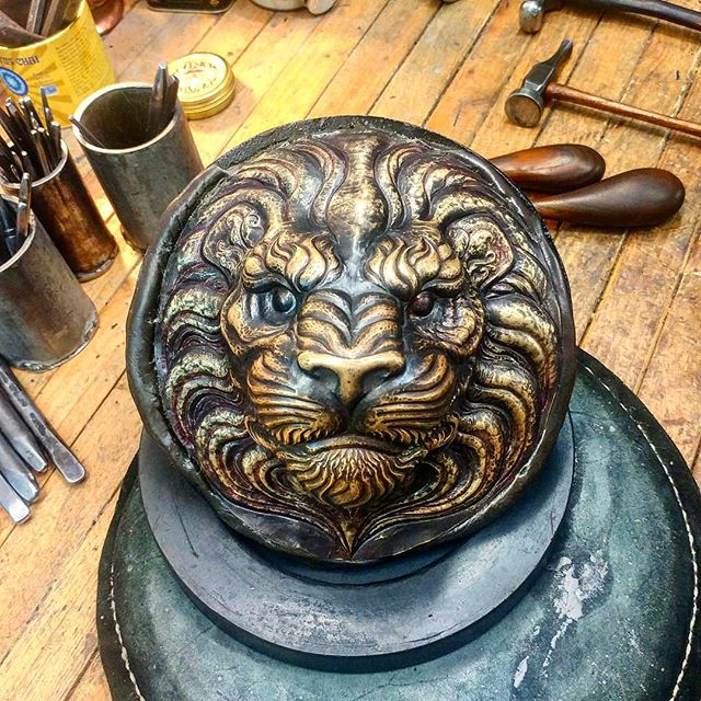 Close to getting to the fur texture.  #uchidashi #raising #chasing #repousse #metalwork #metal #art #sculpture #metalsculpture #handcrafted #americanmade #hammertime #handmade #California #californiaartist #steel #steelworker #lion #lionart #brass  Patreon.com/douglaspryor