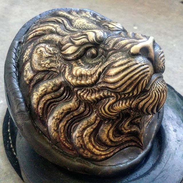 Putting feelers out there for a very limited series of this lion cast in bronze?  #uchidashi #raising #chasing #repousse #metalwork #metal #art #sculpture #metalsculpture #handcrafted #americanmade #hammertime #handmade #californiaartist #steel #steelworker #lion #lionart #brass #bronze  Patreon.com/douglaspryor