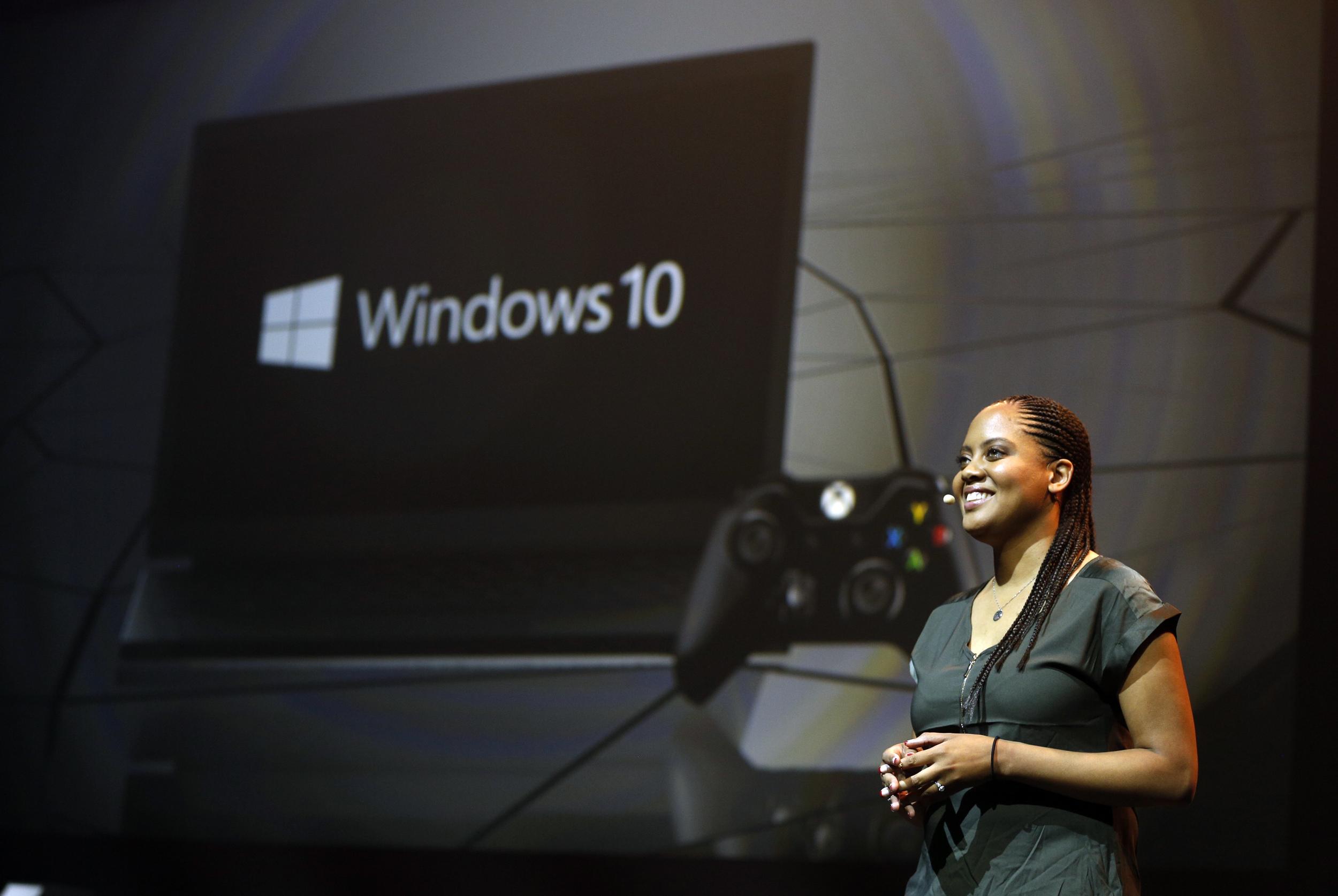 Xbox-gamescom-Briefing-2015-Jasmine-Lawrence-Windows-10-Xbox-JPG.0.JPG