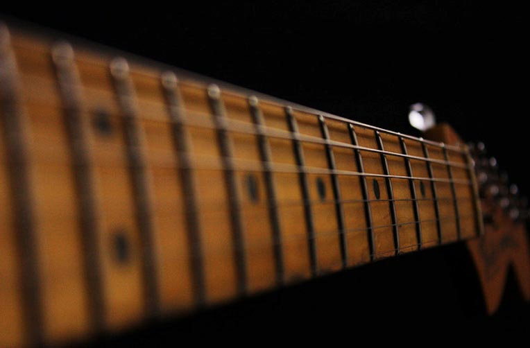 guitar-fingerboard[1].jpg