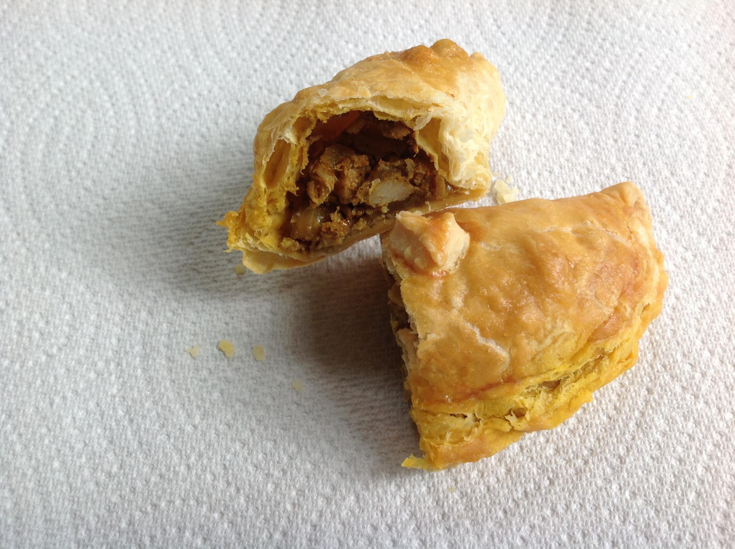 curry puff (open).jpg