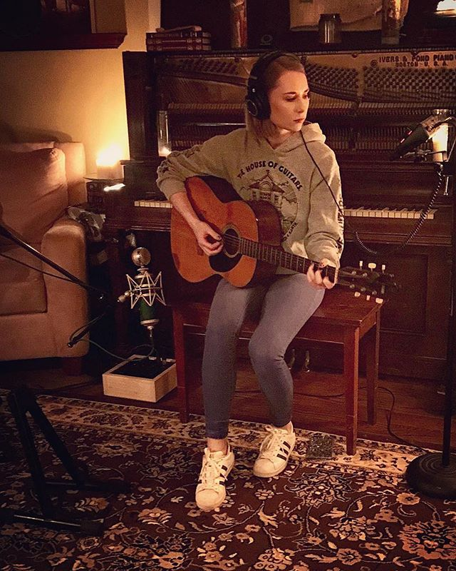 #Repost @alyssatrahan ・・・ Spent all of last night working on something really special at @fortyonefifteen 🎸🎶🎧🎤 . . . . . . . . . #nashville #newmusic #guitar #countrymusic #country #singer #songwriter #recordingstudio #m