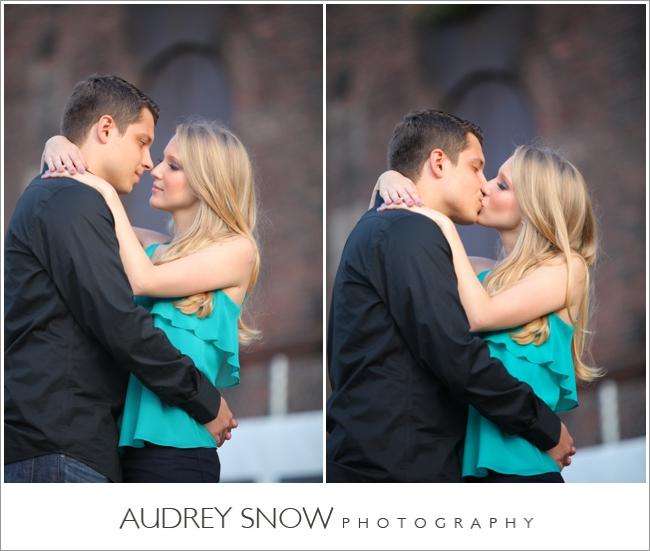 audreysnow-photography-brooklyn-engagement-session_1110.jpg