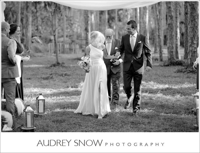 audreysnow-photography-naples-barn-wedding_1880.jpg