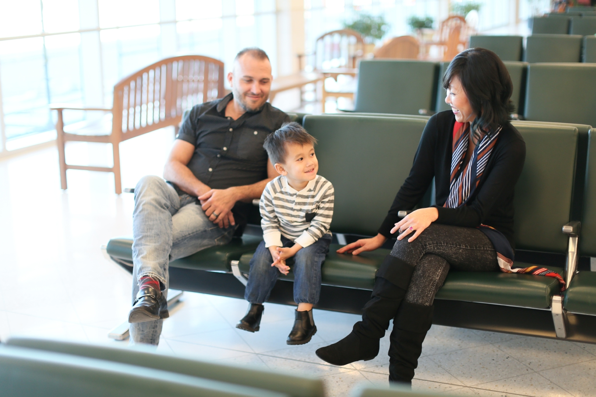 audreysnow-photography-ftmyers-rsw-family-portrait-at-the-airport_3980.jpg