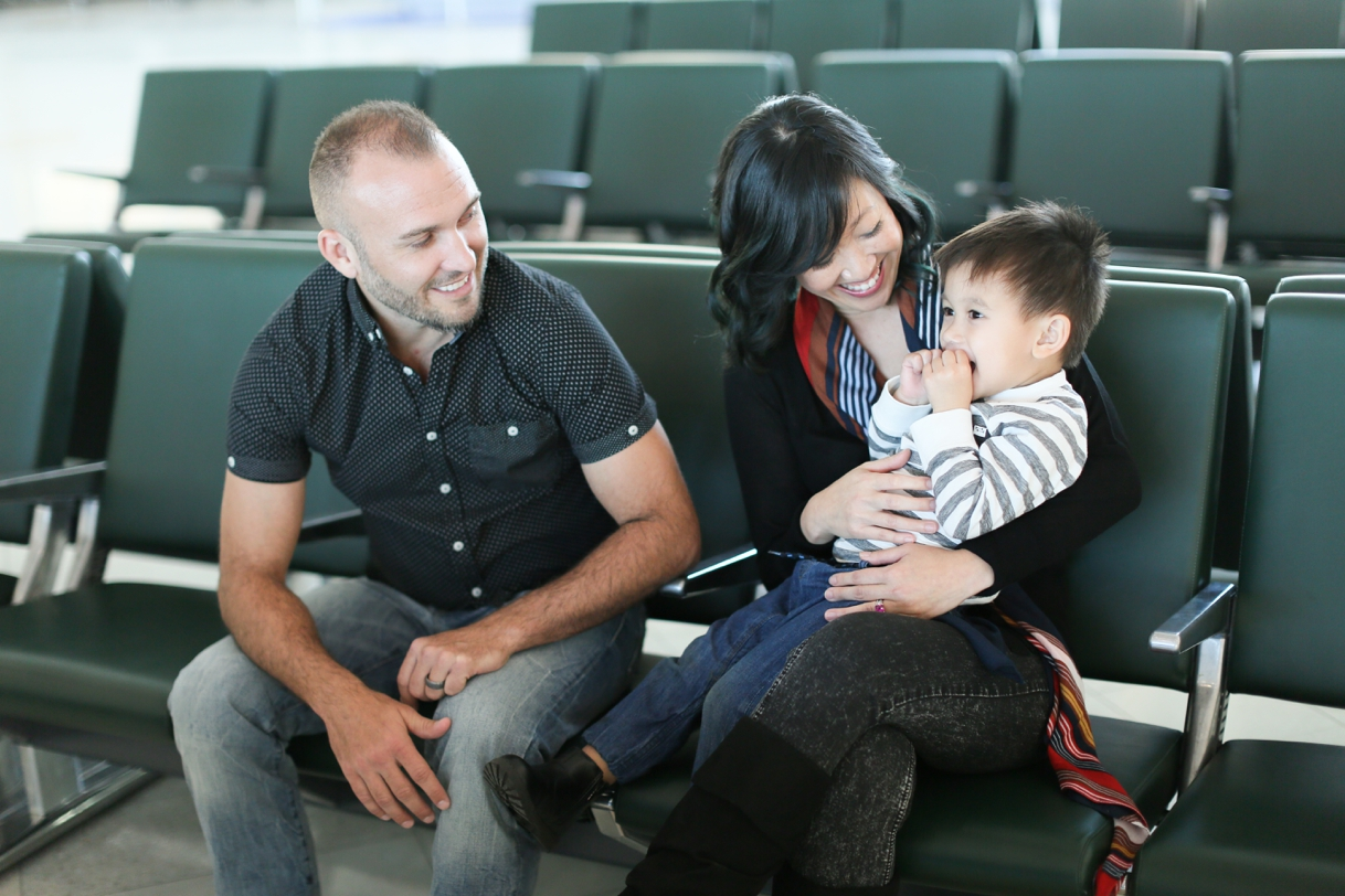 audreysnow-photography-ftmyers-rsw-family-portrait-at-the-airport_3982.jpg