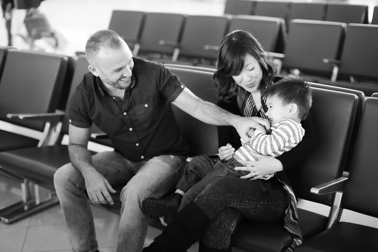 audreysnow-photography-ftmyers-rsw-family-portrait-at-the-airport_3984.jpg