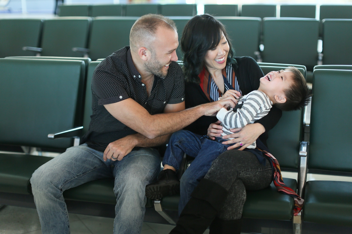 audreysnow-photography-ftmyers-rsw-family-portrait-at-the-airport_3985.jpg