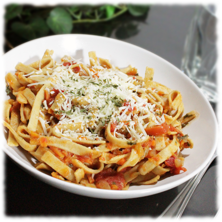 Healthy Whole Wheat Pasta with Homemade Vegetable Sauce
