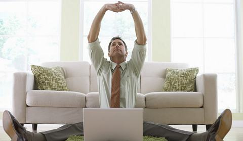 20090401_stretching_at_desk_by_adopting_simple_exercises.jpg