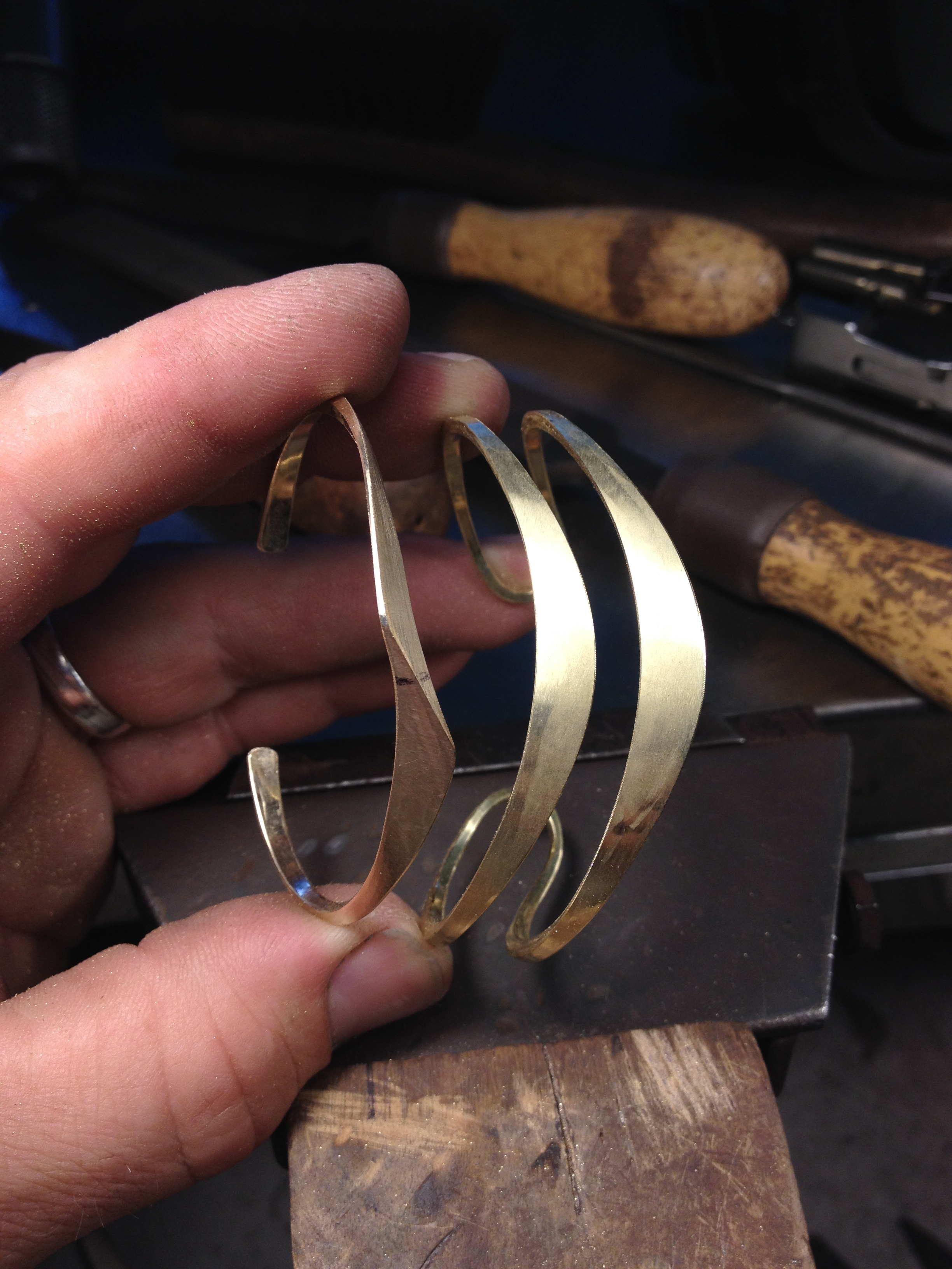 process shot sharp offset cuff and double cuff before buffing