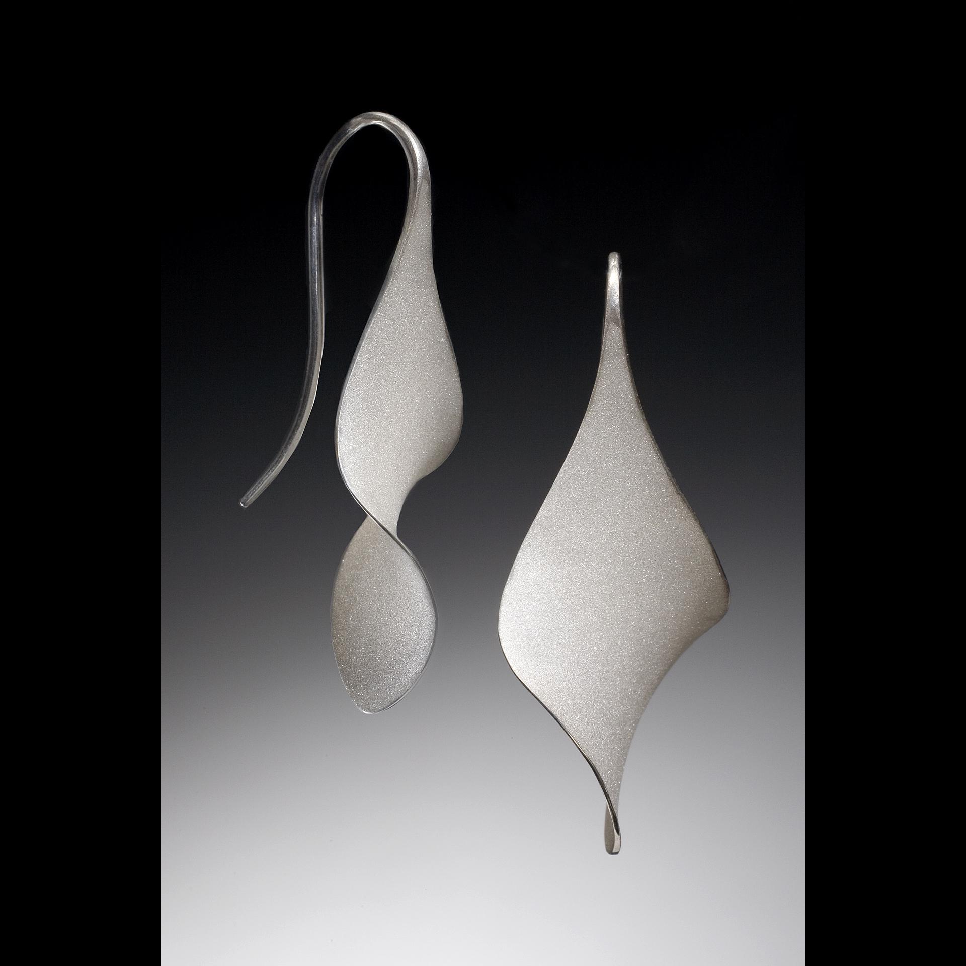 Matte Anticlastic twist earrings
