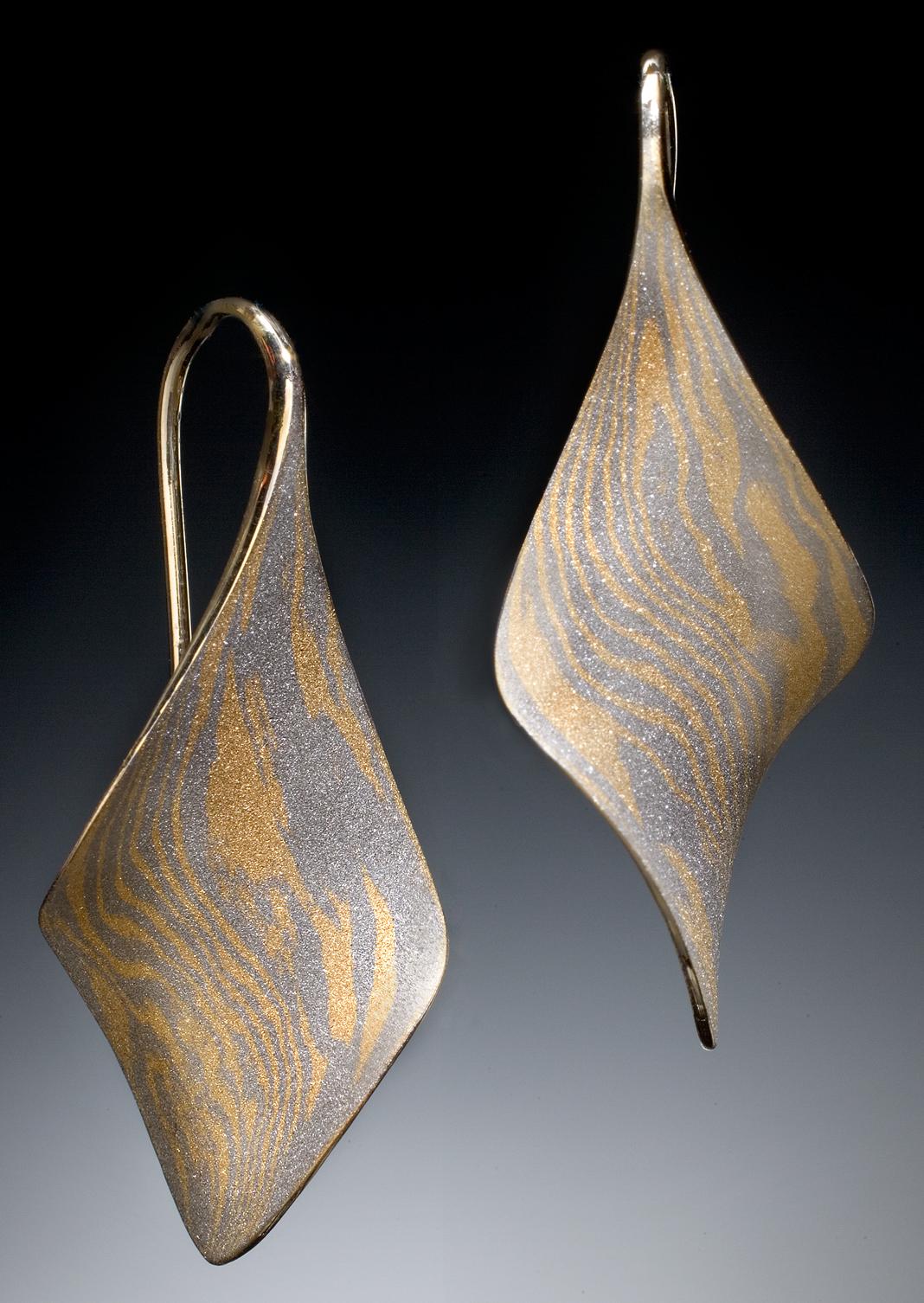 18k/Palladium Mokume Anticlastic Twist earrings