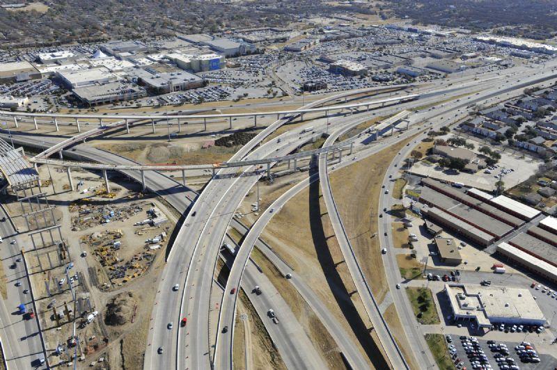 820-121-183 interchange facing SE.jpg