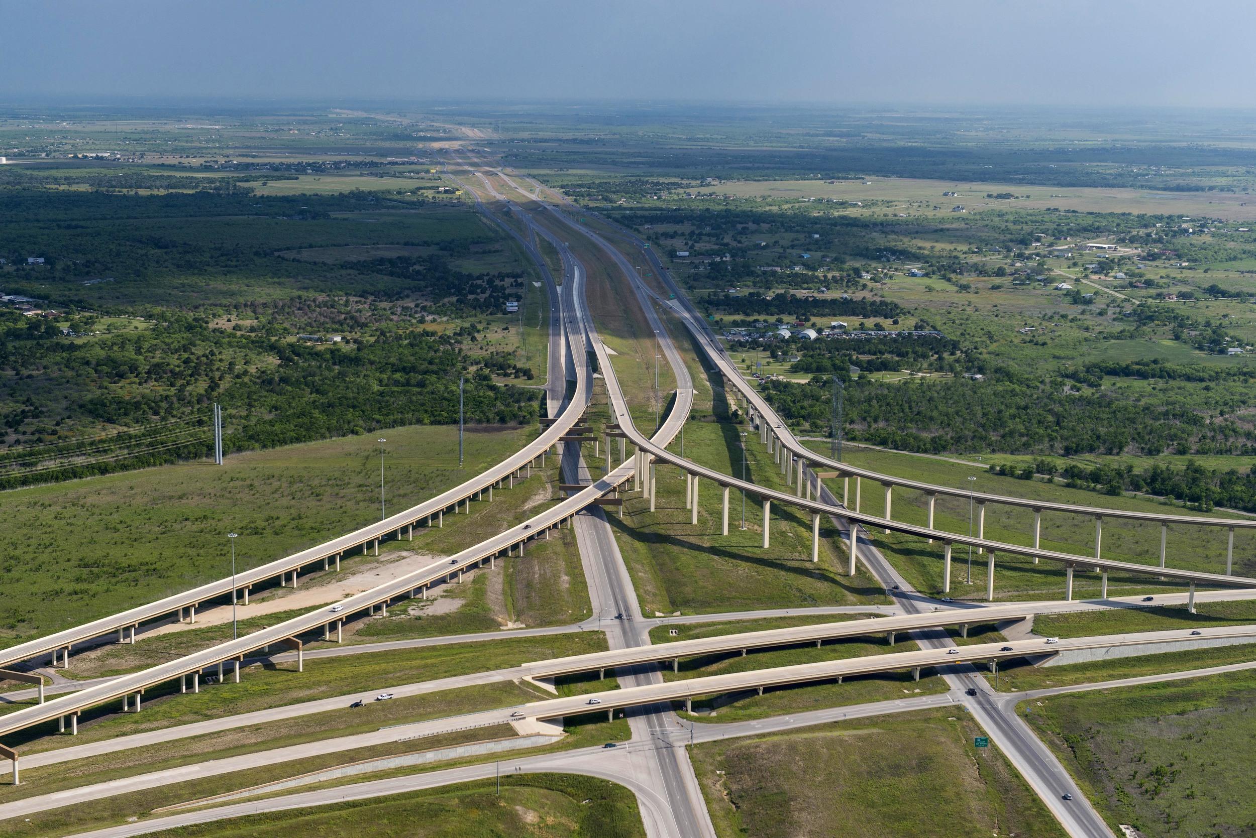 Texas_HWY_130_Toll_Road_201305_1.jpg