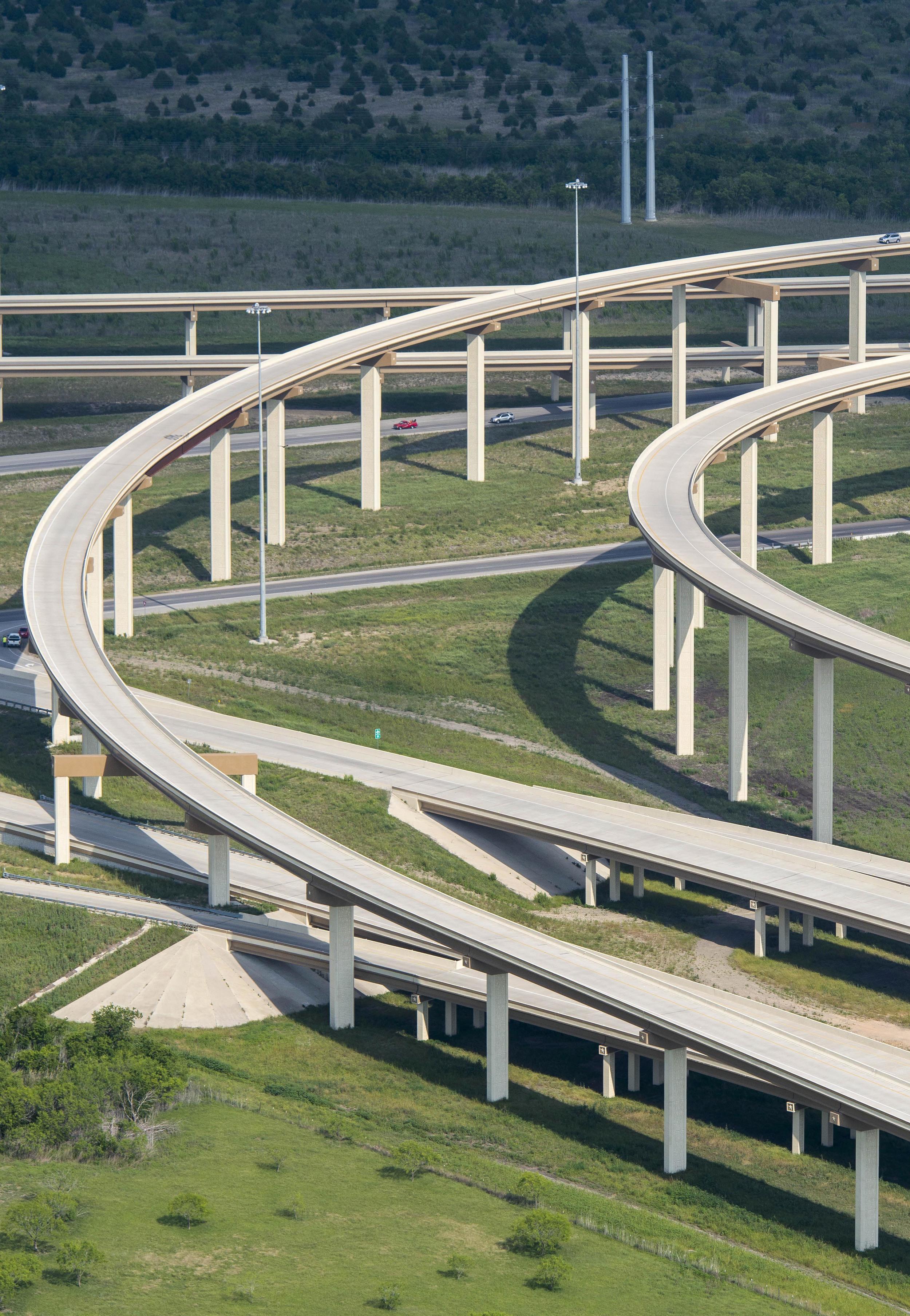 Texas_HWY_130_Toll_Road_201305_11.jpg