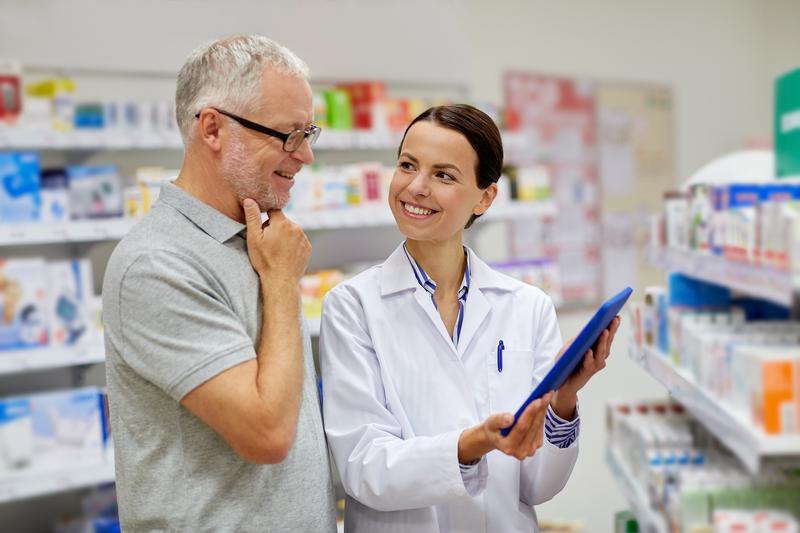 pharmacist consult tablet dreamstime_s_58220600.jpg