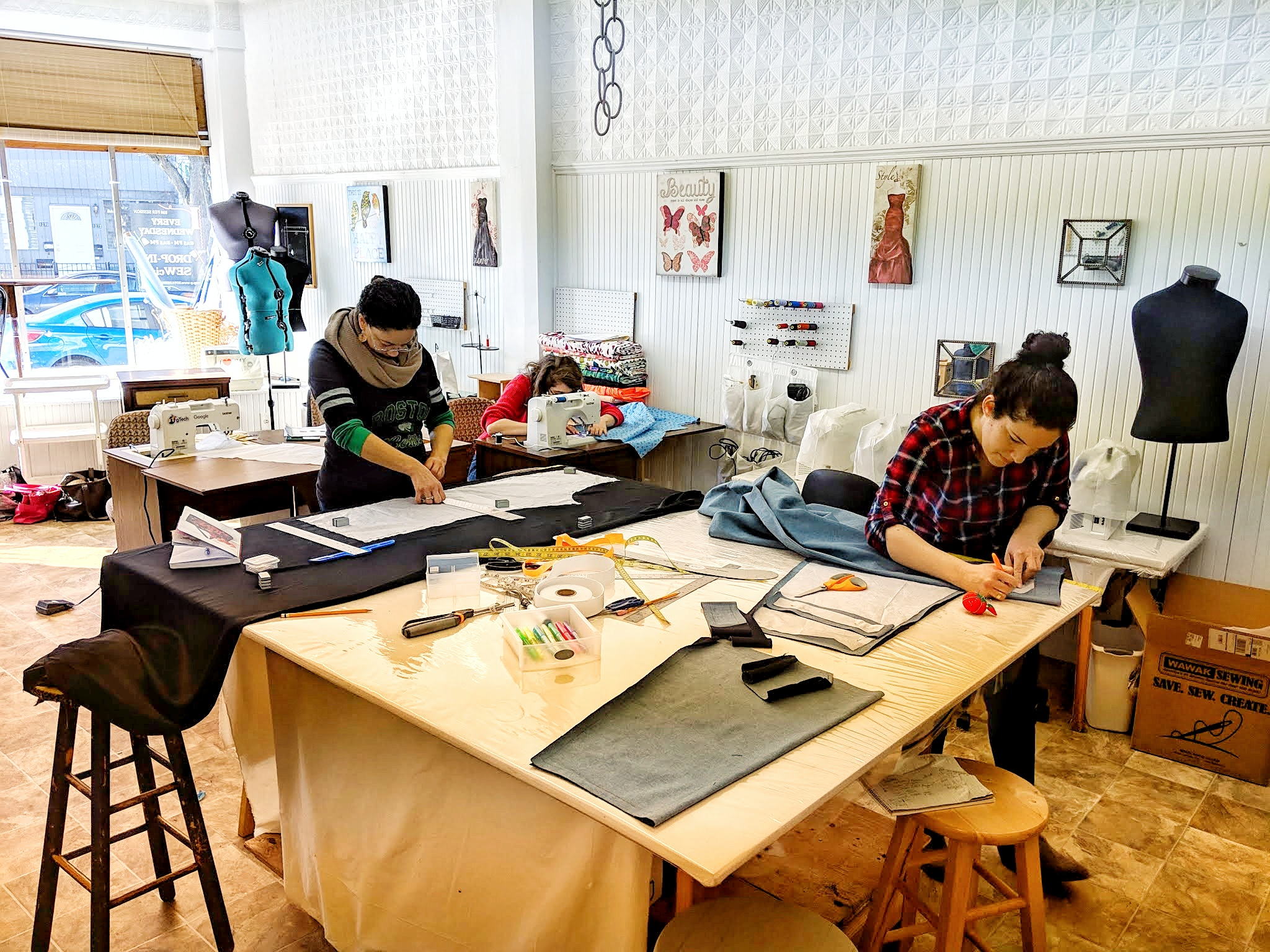 Beginner Class students are busy creating patterns for their projects during the 6-week course