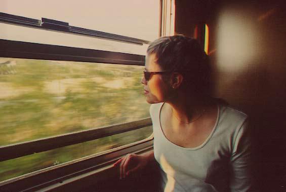 09-italy_gina_on_train.jpg