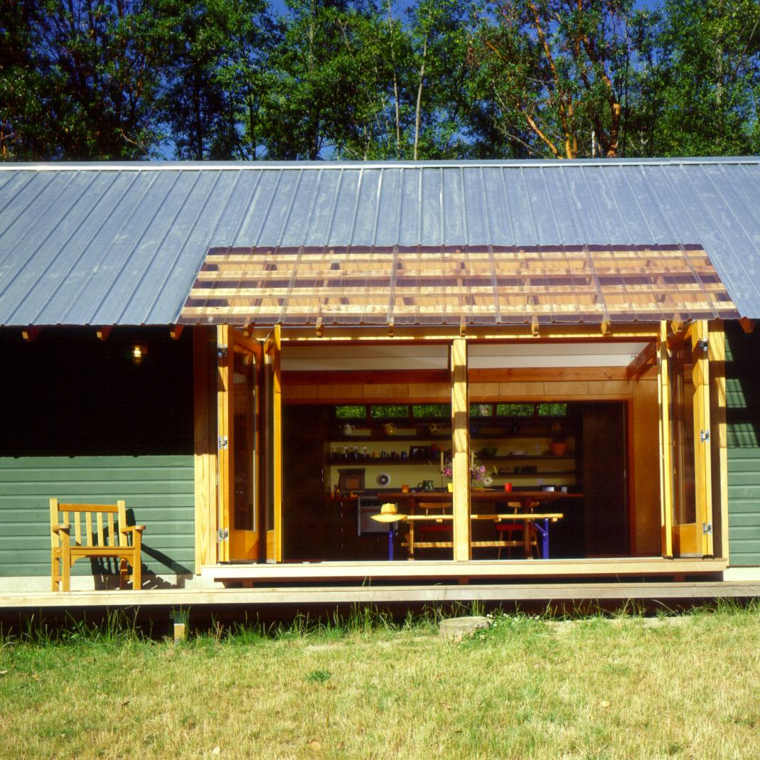 cabin on maury 01.jpg