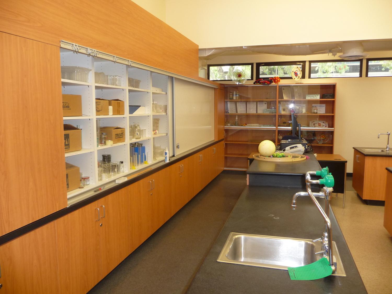 Rio+del+Valle+MS+Science+Lab+2.jpg