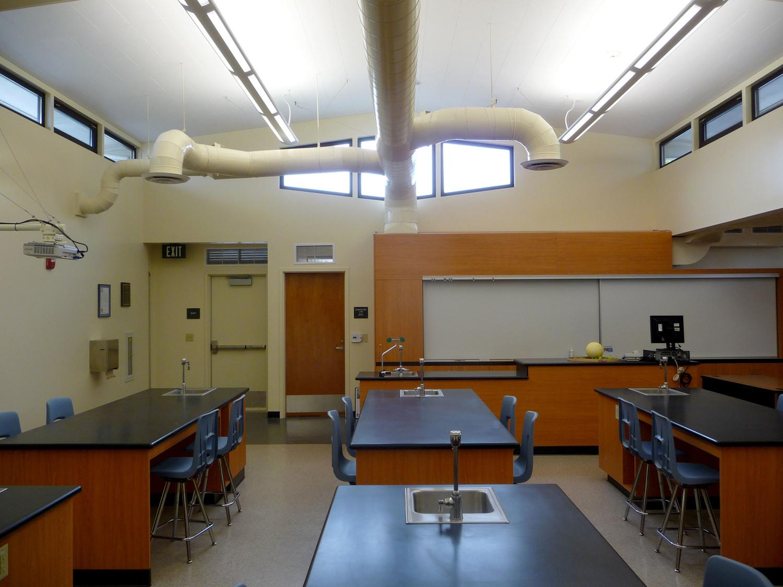 Rio+del+Valle+MS+Science+Lab+3.jpg