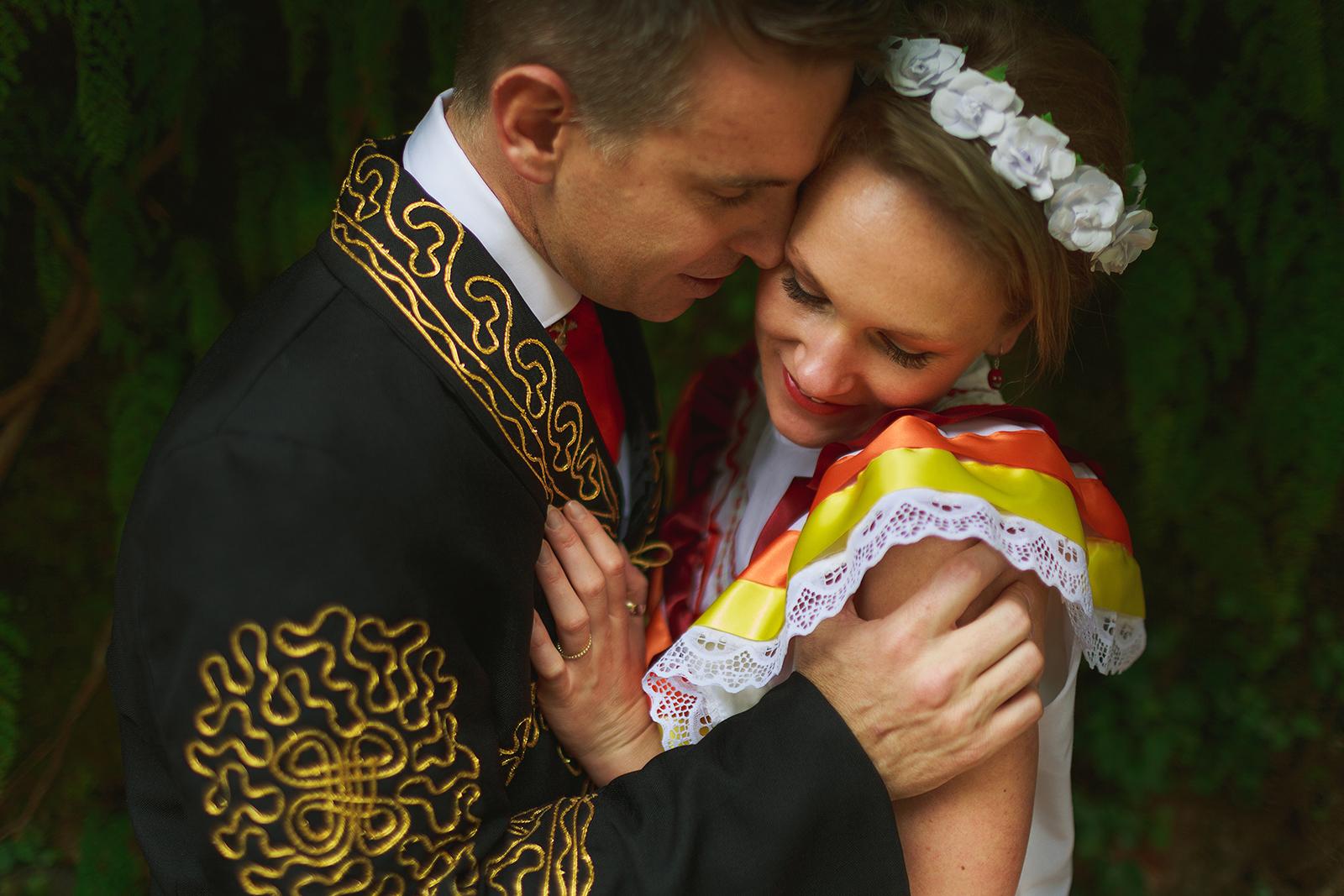 mexican-style-wedding-mariachi