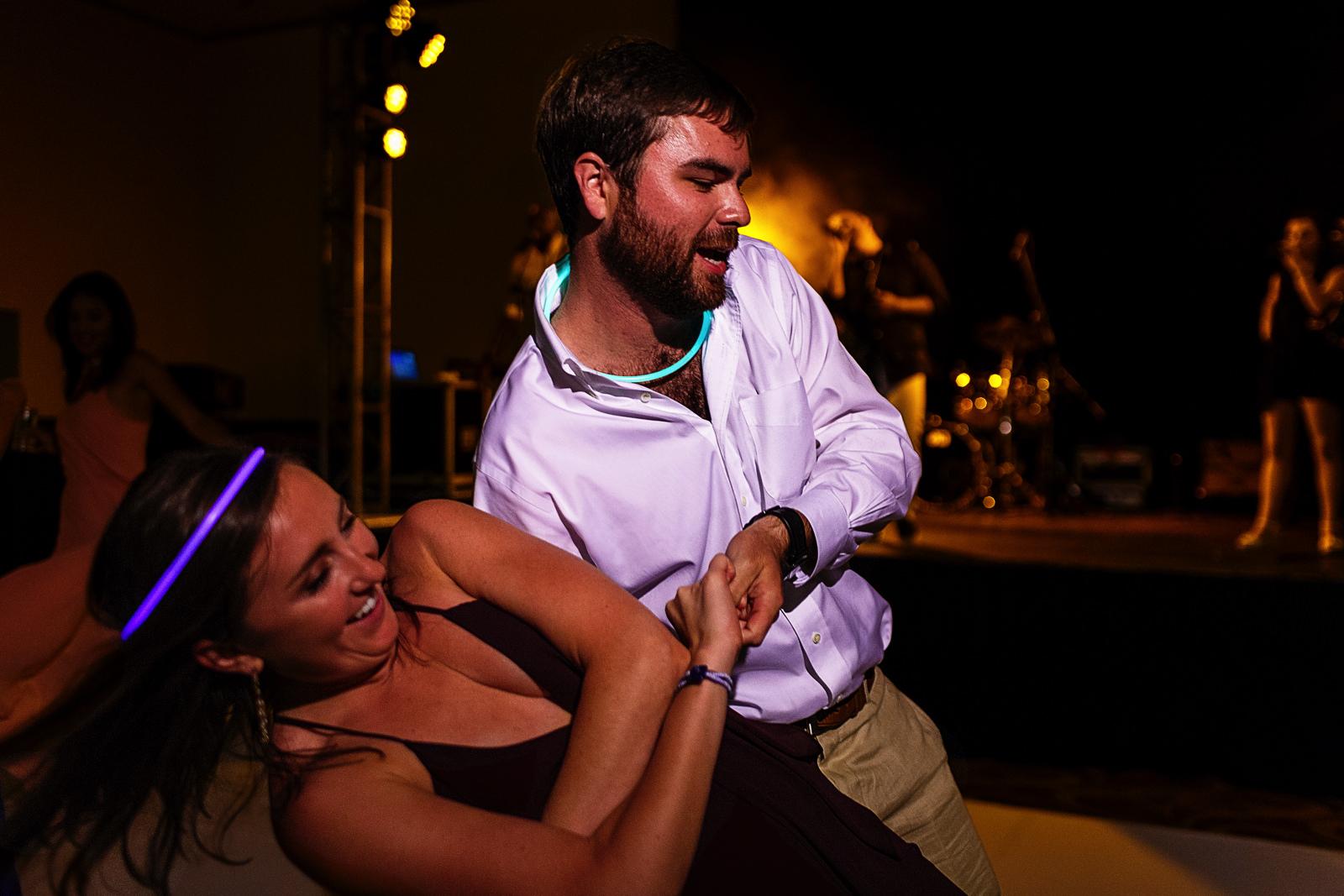 Guests dancing at wedding reception - Eder Acevedo cancun los cabos vallarta wedding photographer