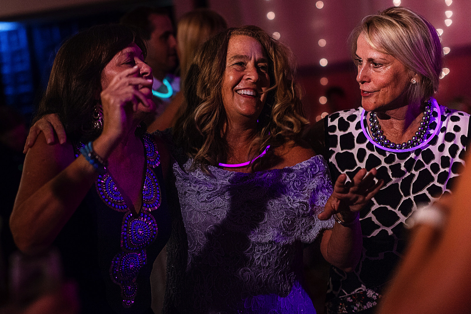 Mother of the bride and guests dancing at wedding reception - Eder Acevedo cancun los cabos vallarta wedding photographer