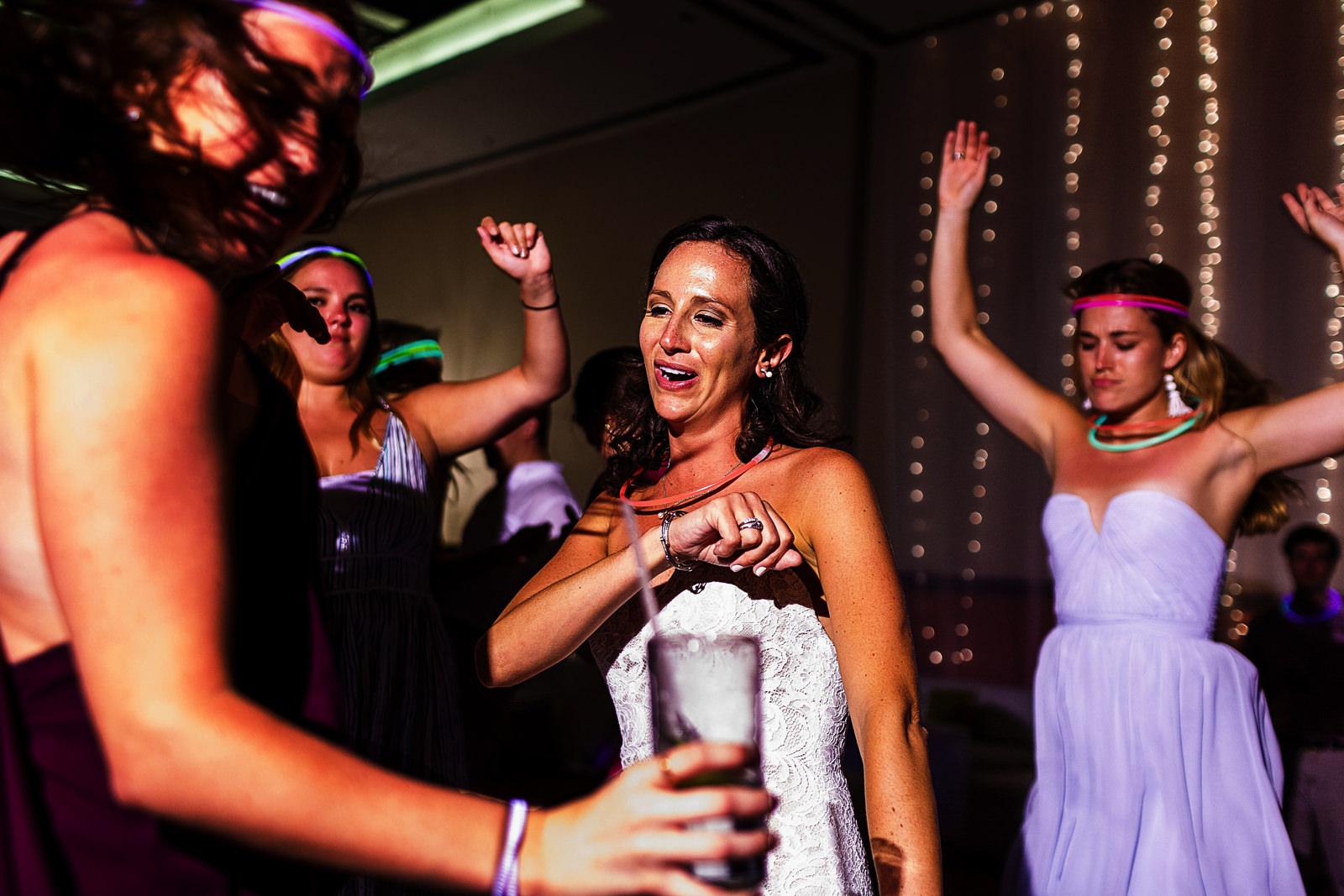 Bride and guests dancing at wedding reception - Eder Acevedo cancun los cabos vallarta wedding photographer