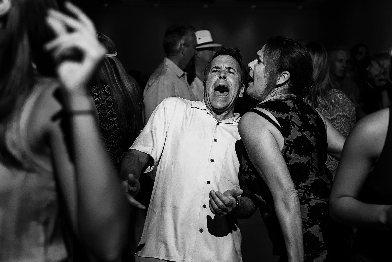 Guests singing at wedding reception - Eder Acevedo cancun los cabos vallarta wedding photographer