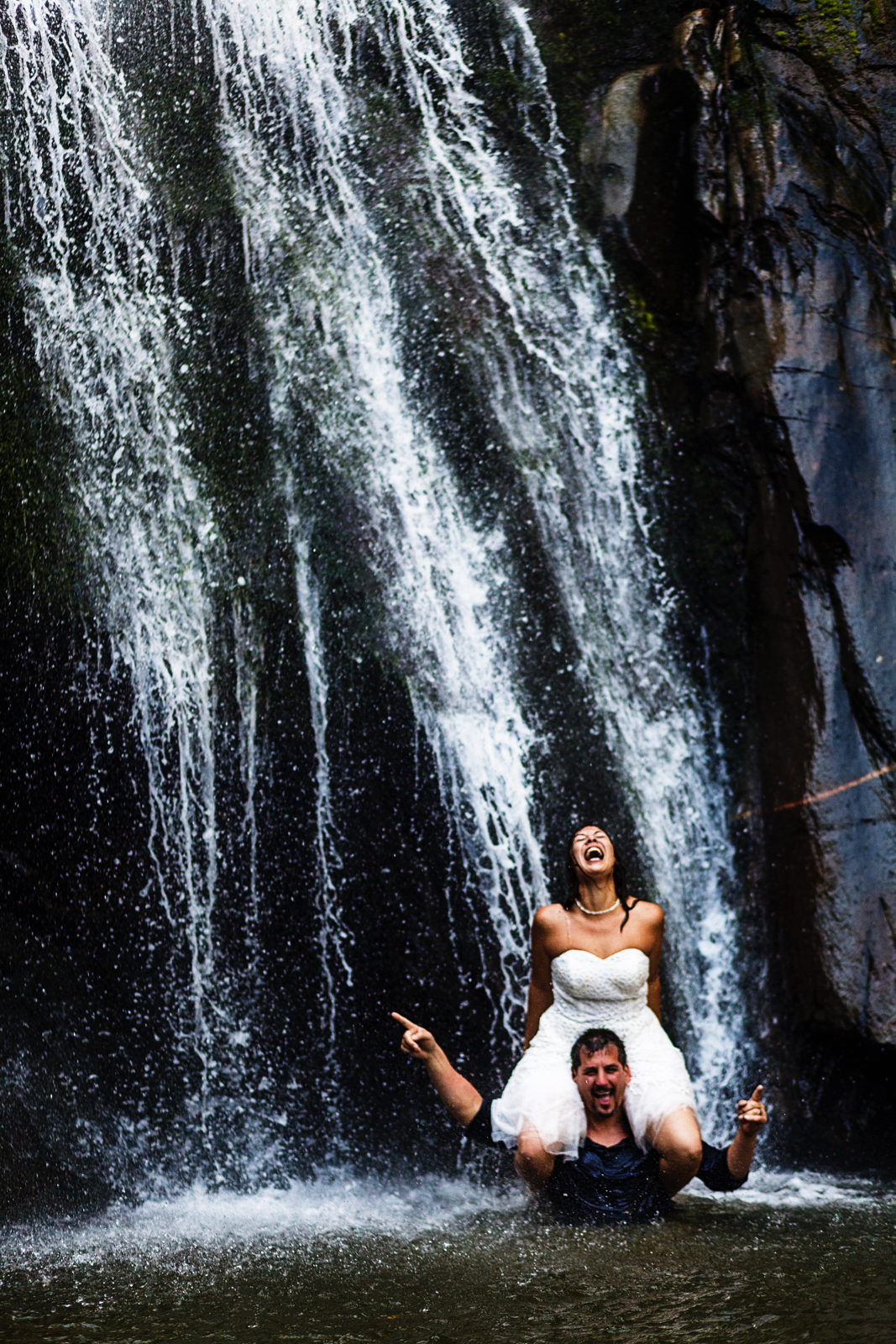 yelapa-waterfall-wedding-portrait-session