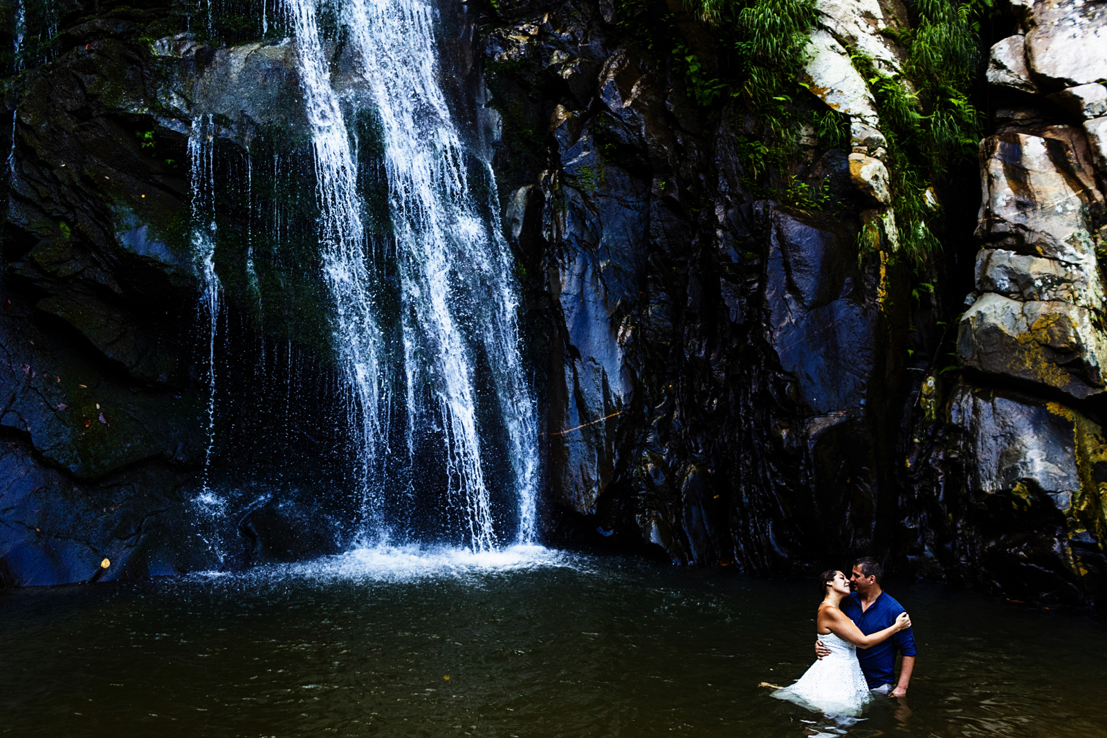 yelapa-waterfall-wedding-photo-session