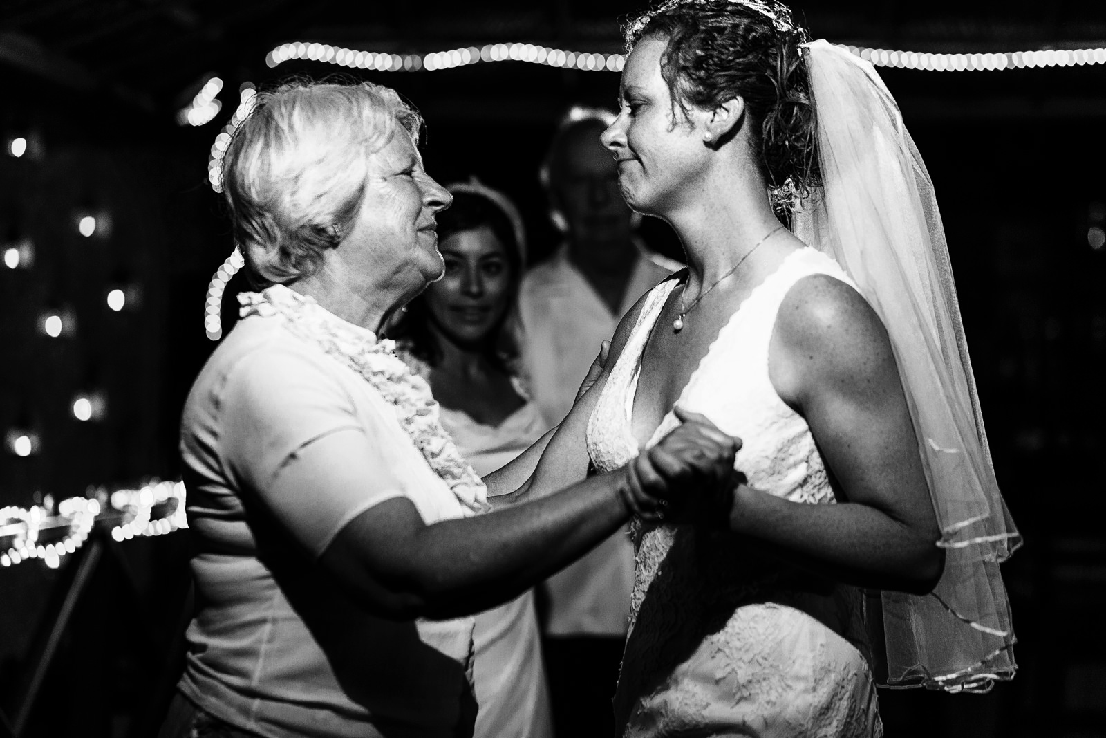 mother_daughter_dance_lesbian_couple