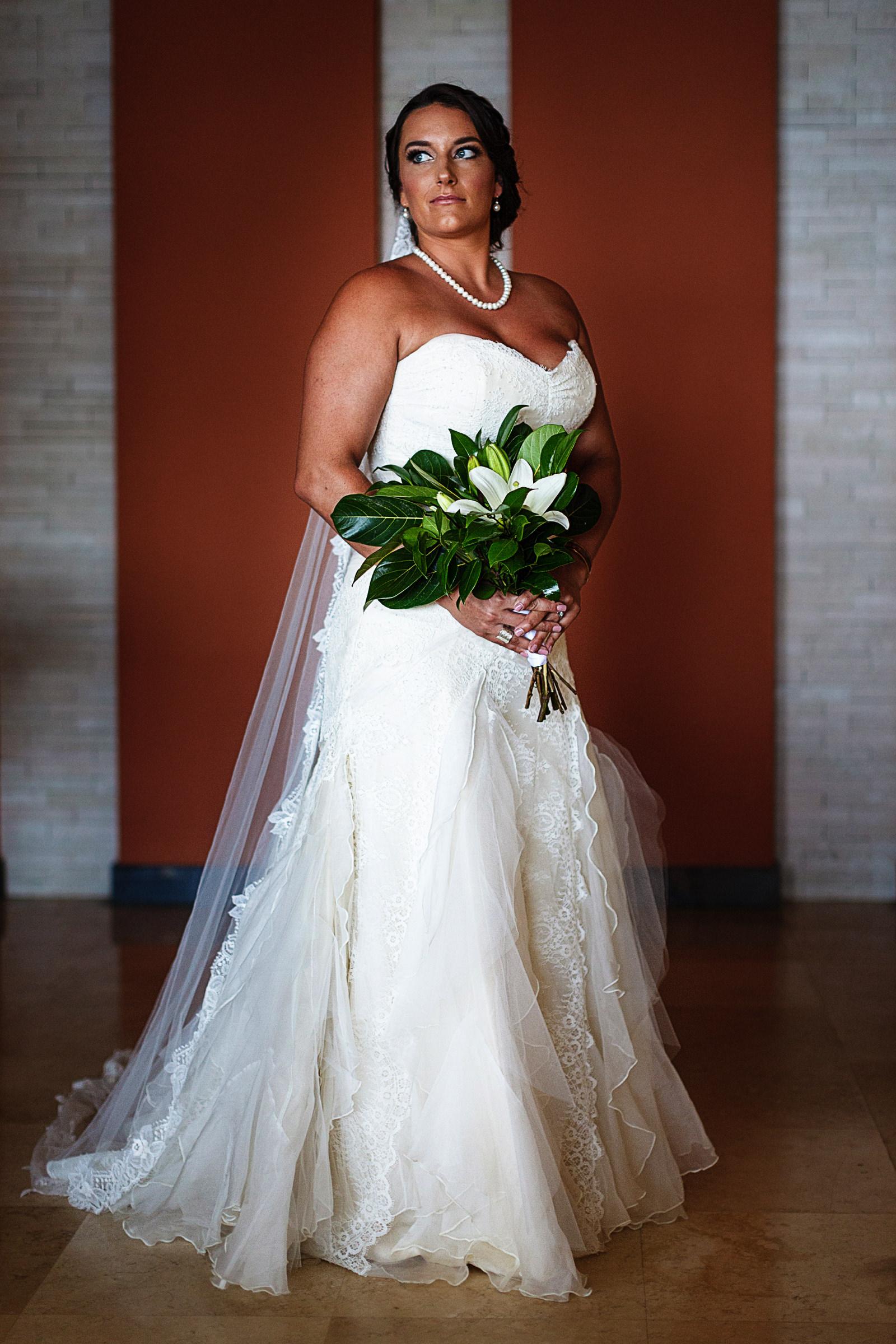 Bride-portrait-bouquet