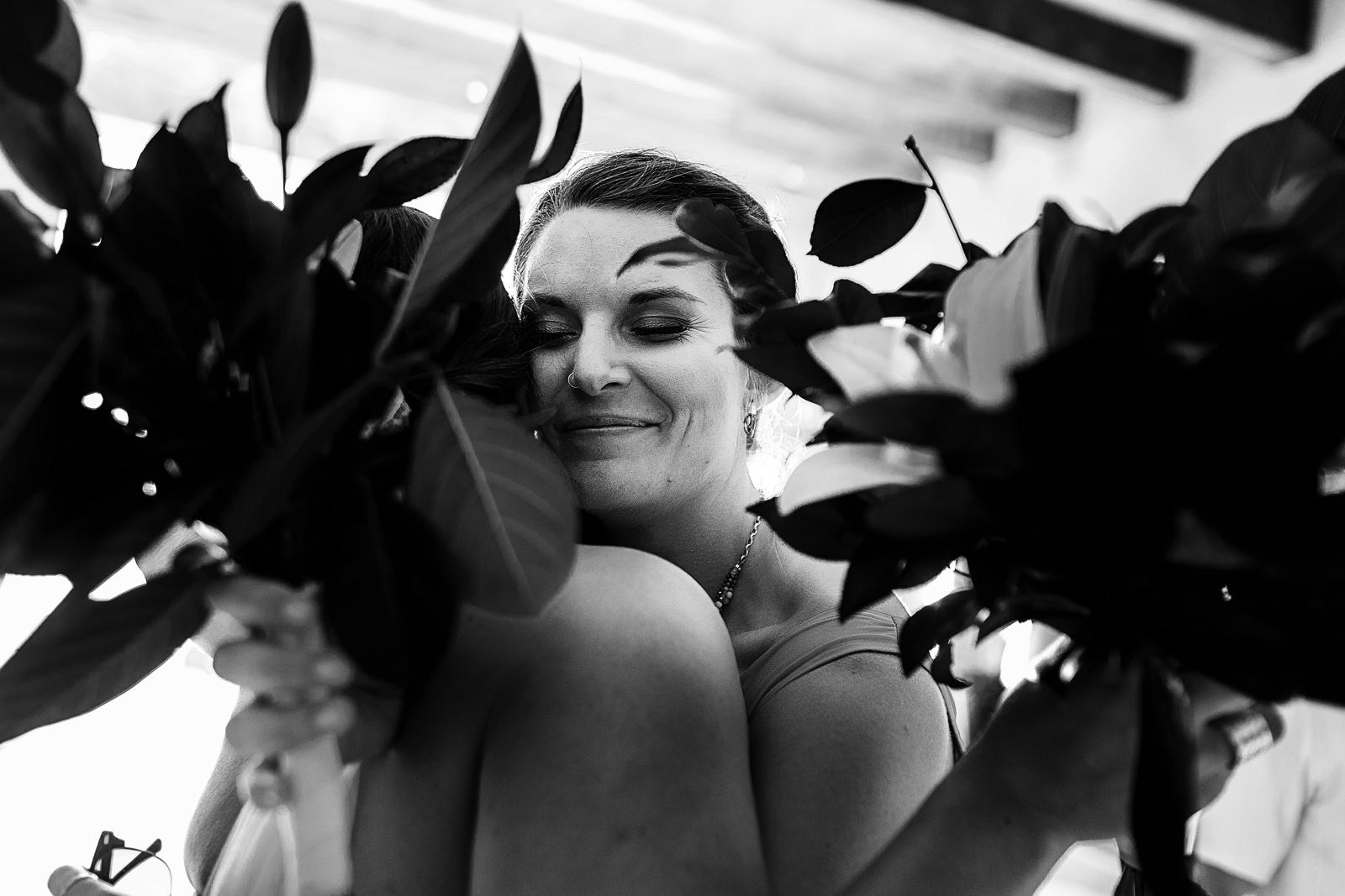 hug-between-bouquets