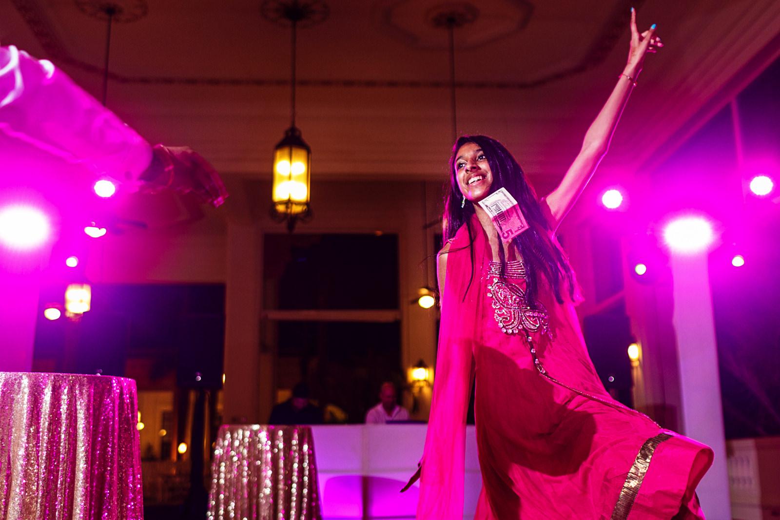 hindi-traditional-dance-riu-palace-wedding