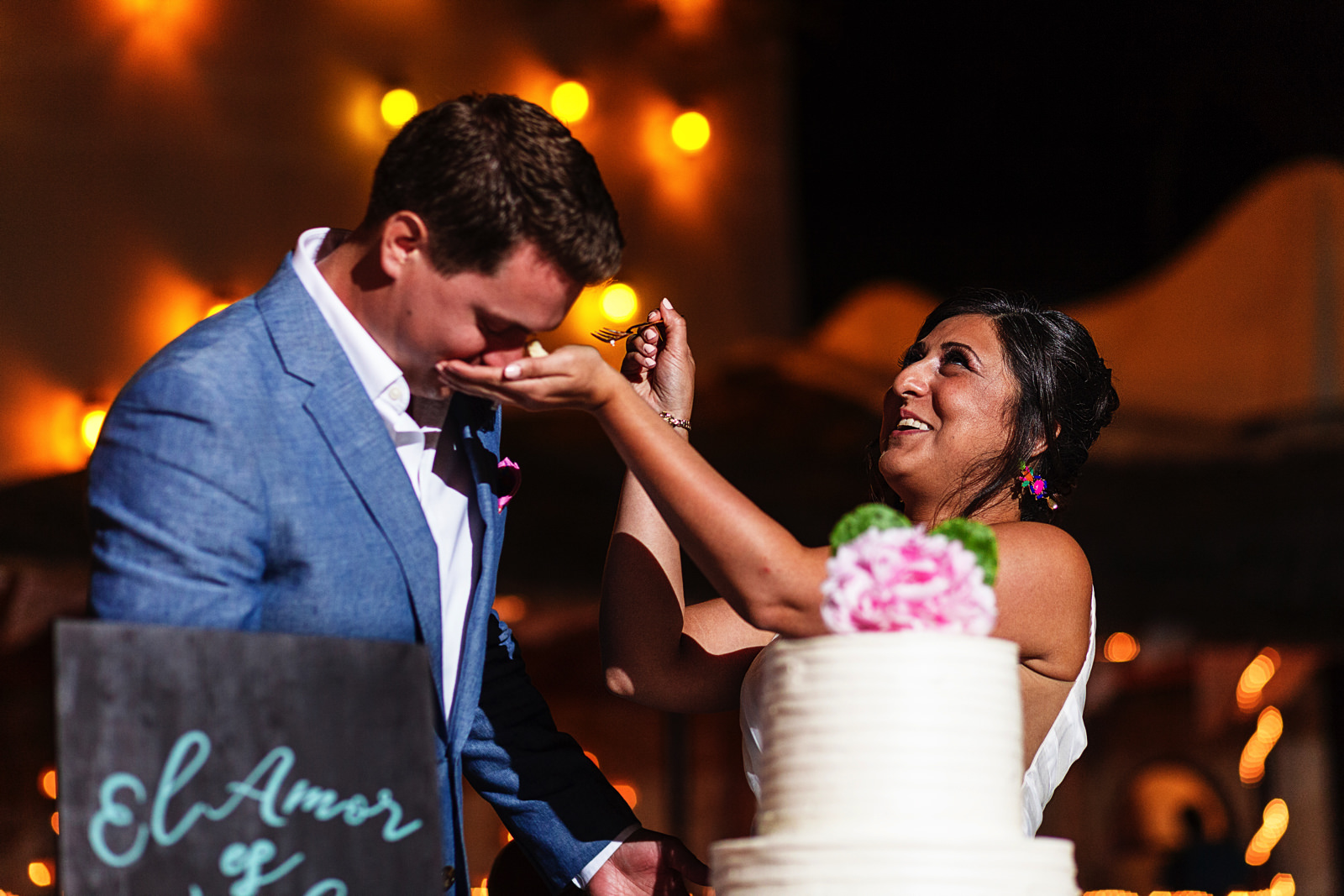funny-moment-cake-cutting