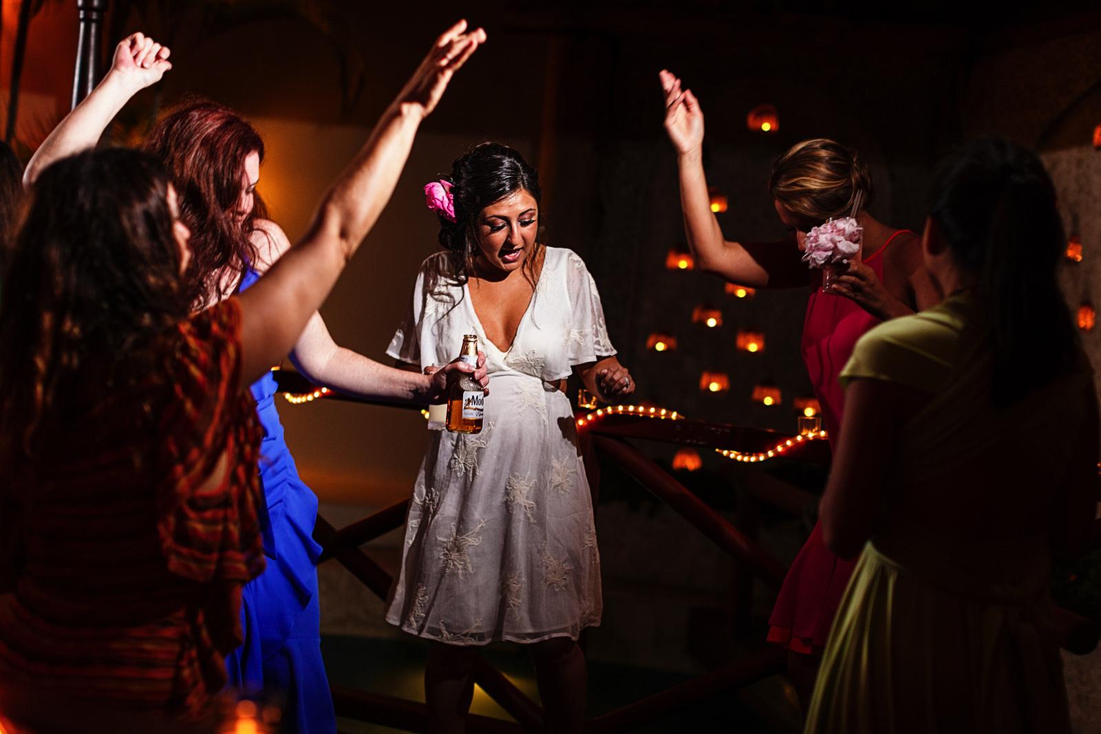 bride-dancing-hip-hop
