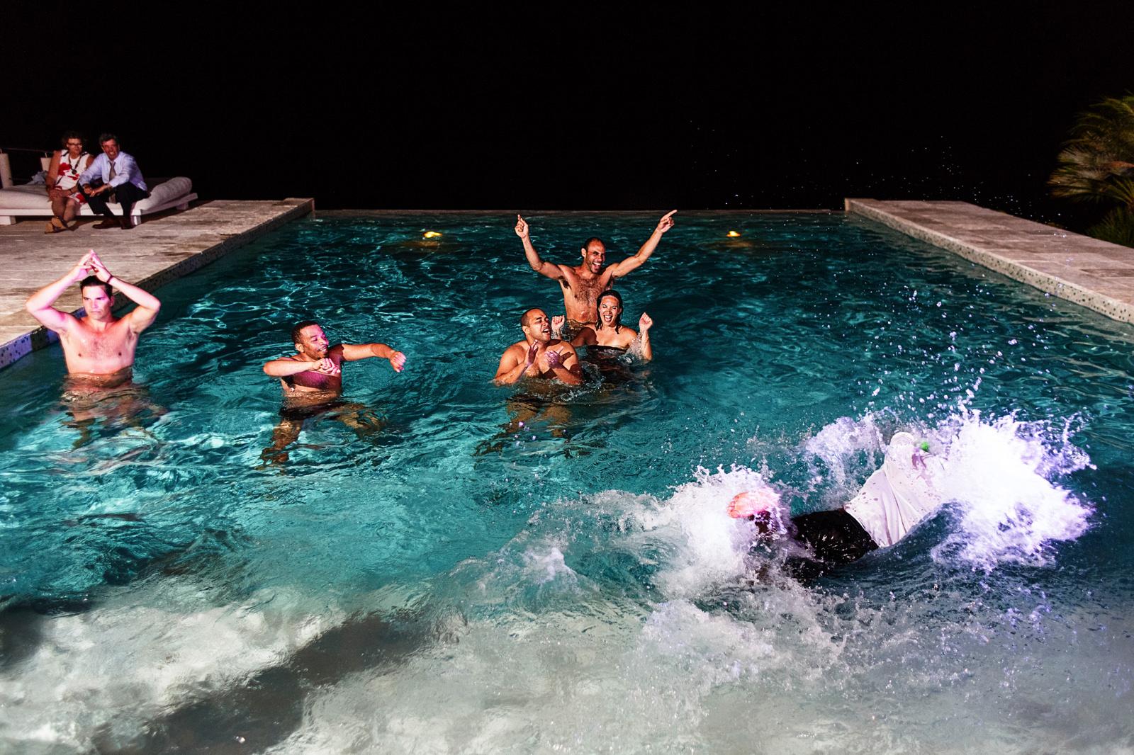 Casa-China-Blanca-pool-wedding