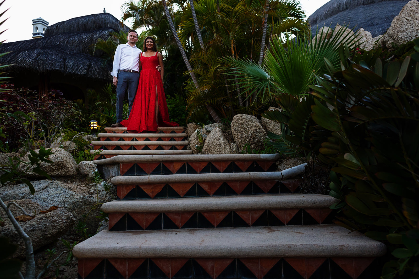 Couple of the day entrance through the stairs at Villa Las Rocas