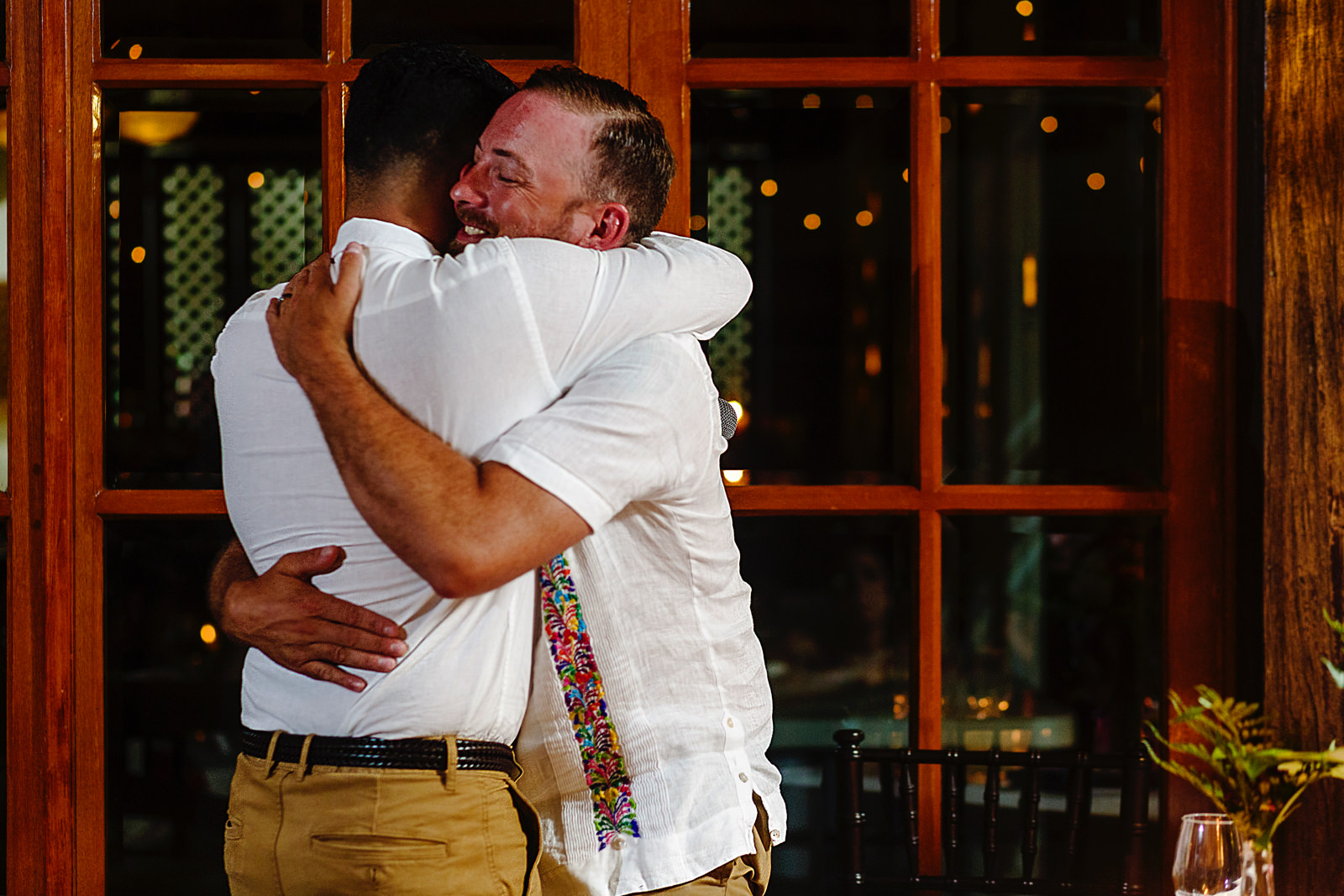 groom-bestman-hug-speeches-dinner-wedding.jpg