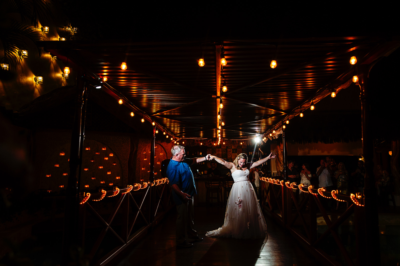 bride-father-dad-dance-luxury-dancefloor.jpg
